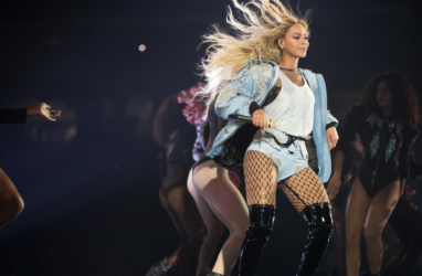 13 Beyonce Formation Tour 2016